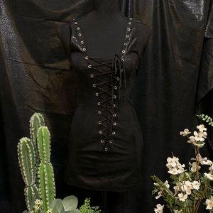 Dresses & Skirts - Lace up dress